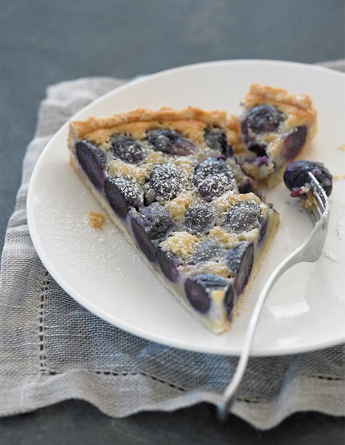 grape-frangipane-tart-piece