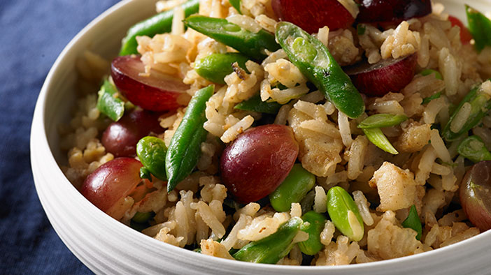 garlic-fried-rice-with-california-grapes