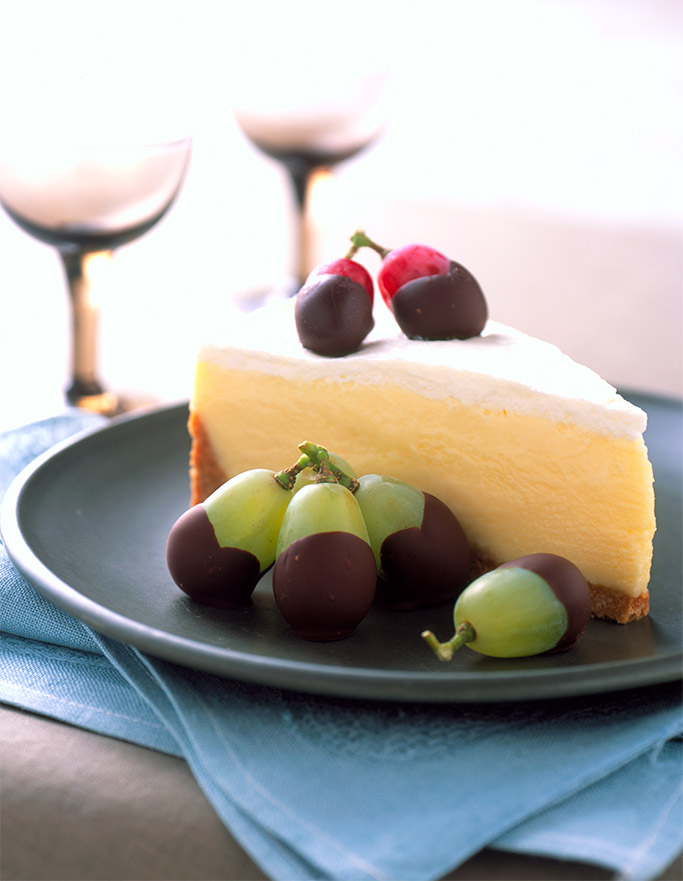 chocolate-dipped-grapes-with-cheesecake