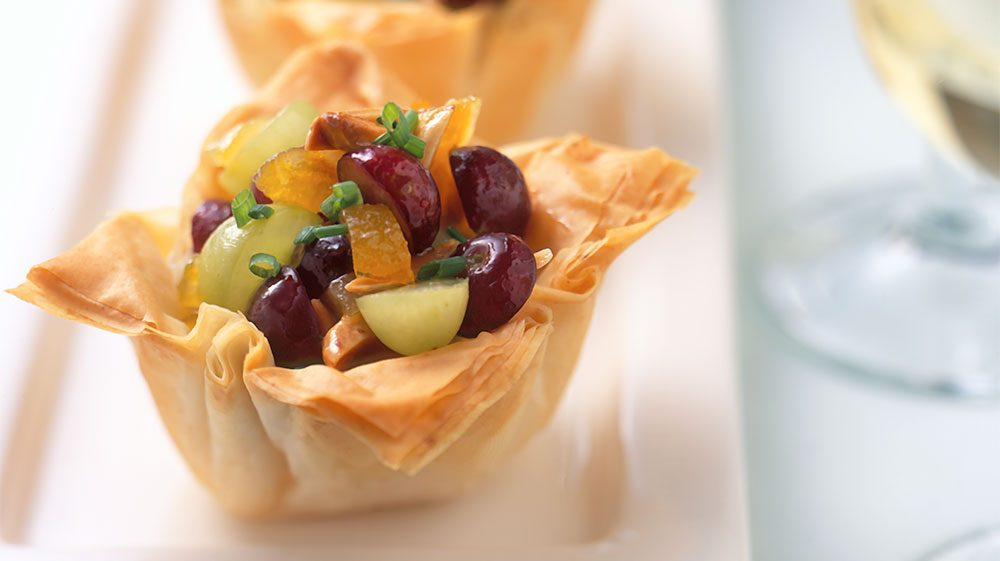 crispy-phyllo-cups-with-fruited-brie