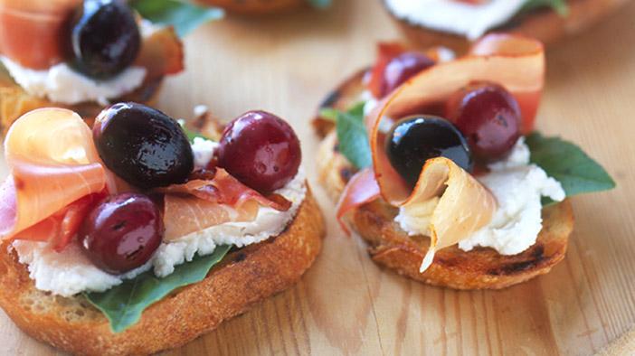 grape-and-prosciutto-appetizers