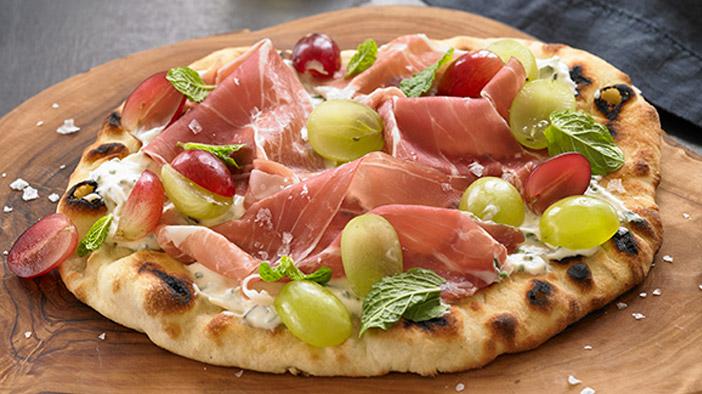 grape-prosciutto-flatbread