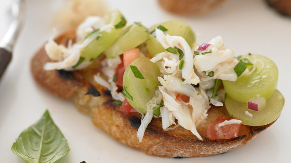 grilled-bruschetta-with-crab-and-grape-salsa