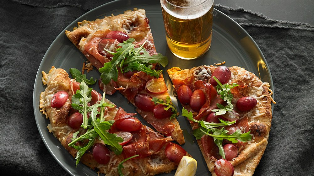 prosciutto_red_grape_and_pecorino_flatbread