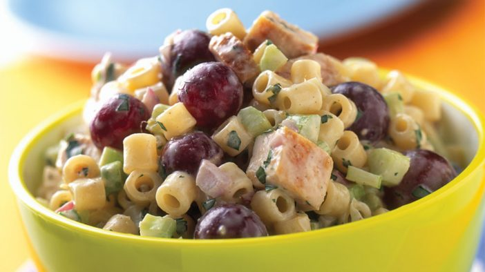 chutney-chicken-pasta-salad-with-red-grapes
