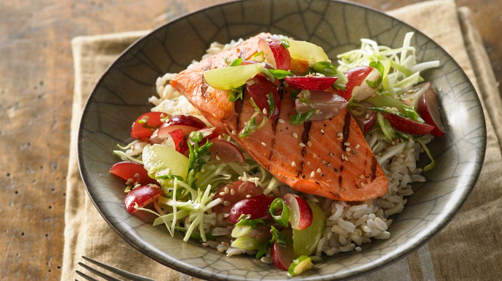 grilled-ginger-salmon-rice-bowl-with-grapes