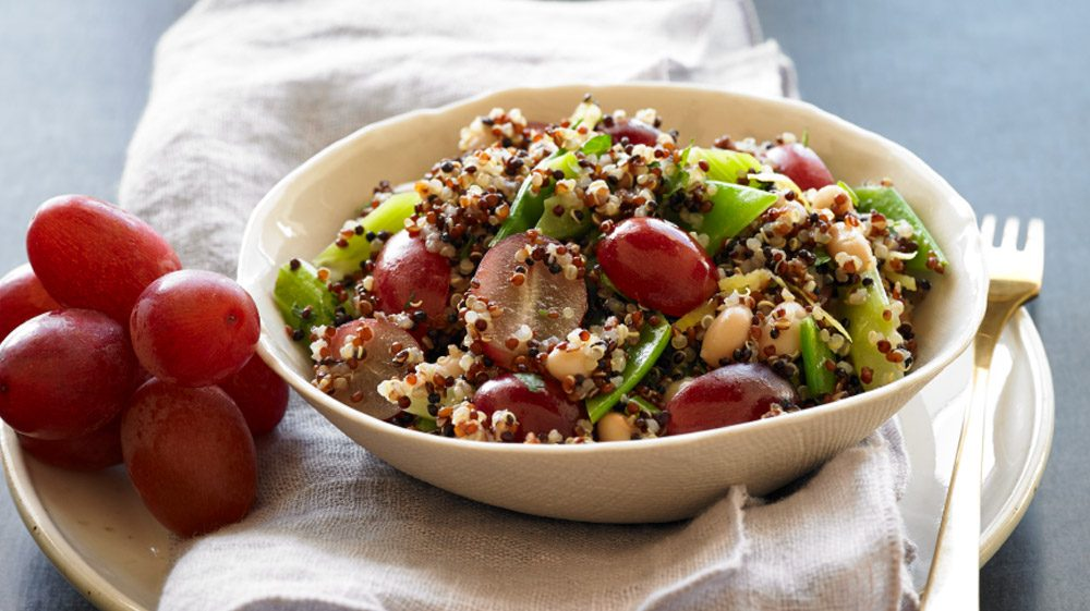 hearty-quinoa-salad-with-grapes-and-white-beans