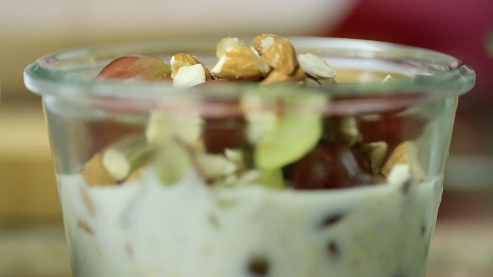 Overnight Oats In A Jar With Grapes And Almonds Grapes