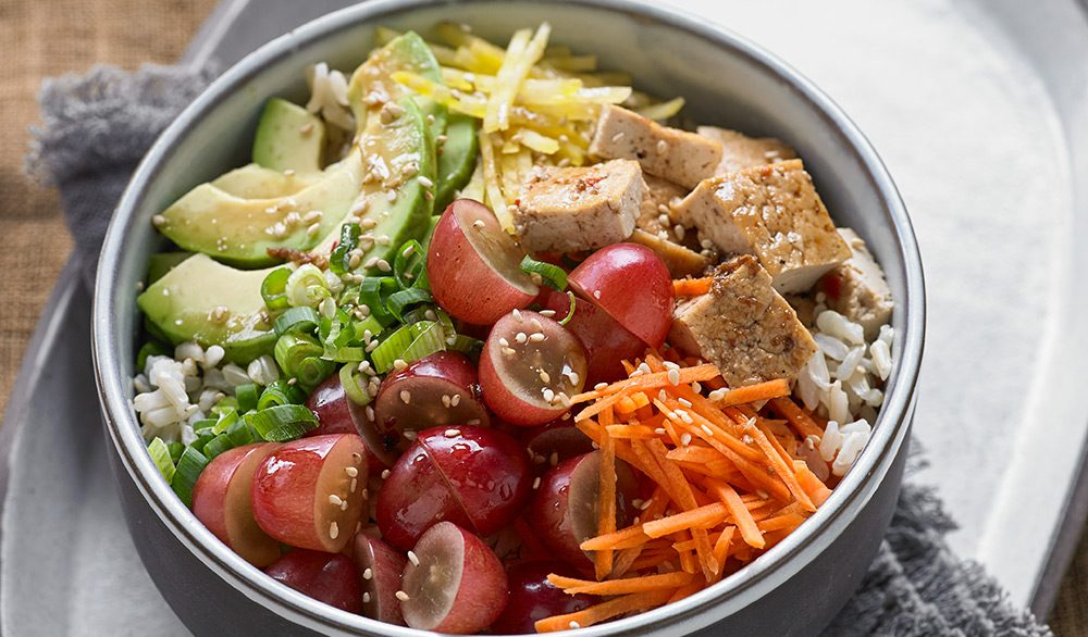 Vegetarian-Poke-Bowl-with-Grapes_v1_current